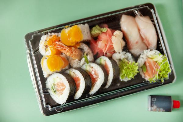 MaMi sushi - 12 sztuk.