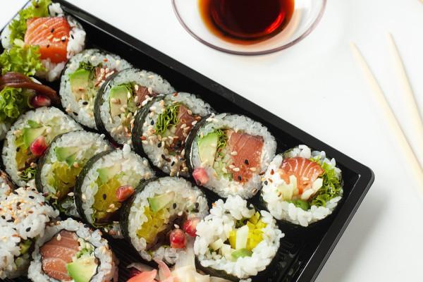 Zestaw Tengu (16 sztuk) od Moshi Moshi Sushi.