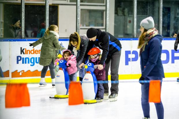 """Wszystko wskazuje, że jedynym otwartym lodowiskiem w Trójmieście do końca roku kalendarzowego będzie to w hali """"Olivia""""."""