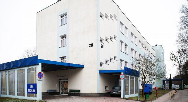 Przed przyjęciem na oddział pacjenci poddawani są testowi na obecność koronawirusa. Z tego powodu funkcjonowanie Izby Przyjęć musiało przejść restrukturyzację.