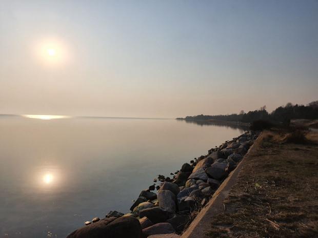 Zachód słońca widoczny z Półwyspu Helskiego.
