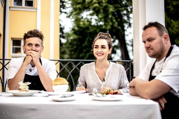 Najnowszy odcinek wraz z udziałem trójmiejskich szefów kuchni zostanie wyemitowany w niedzielę, 22 listopada, o godz. 20 na kanale TVN. W tle: Hotel Quadrille, na terenie którego działa restauracja Biały Królik.