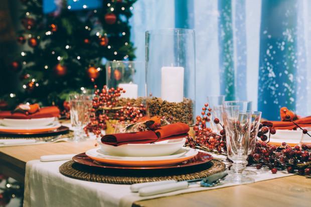 Chcemy, by kolacja wigilijna, choć w tym roku zapewne inna niż zwykle, odbyła się w miłej atmosferze... i przy smacznym jedzeniu.