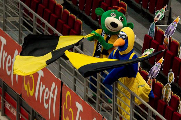 Klubowe maskotki kibicują w Ergo Arenie siatkarzom Trefla Gdańsk oraz koszykarzom Trefla Sopot.