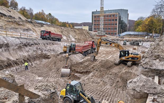Prace budowlane na terenie inwestycji CK STOS.