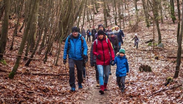 Poznaj ciekawostki krajoznawcze lasów Trójmiejskiego Parku Krajobrazowego. Zabierz dzieci, rodziców, dziadków, sąsiadów, przyjaciół i spędzaj aktywnie czas.