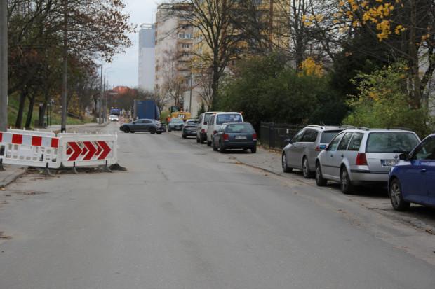 - Którędy mają przejść piesi? - pyta radny dzielnicy Wrzeszcz, Wojciech Chmielewski.