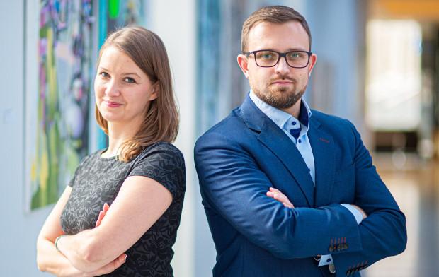 - W czasie pandemii mocno przyspieszyła transformacja cyfrowa i poszerzyło się grono przedsiębiorców skłonnych do organizowania spotkań w postaci telekonferencji - twierdzą Joanna Żebrowska, prezes JB Solutions i Jacek Basiukiewicz, prezes Grupy JBS.