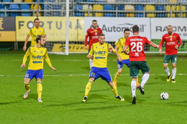 Mateusz Żebrowski (nr 77) zapowiada powrót na zwycięski szlak, ale by to się udało, Arka Gdynia musi grać lepiej niż w dwóch ostatnich meczach na własnym stadionie.