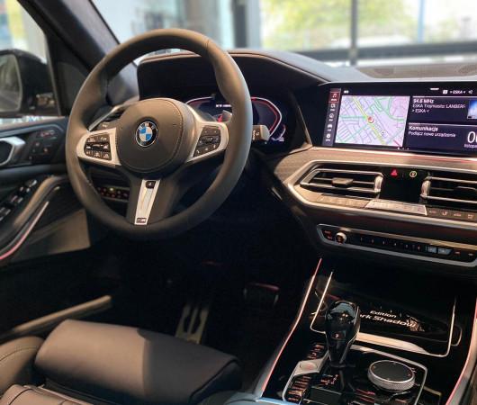 Limitowana wersja BMW X7 Dark Shadow Edition.