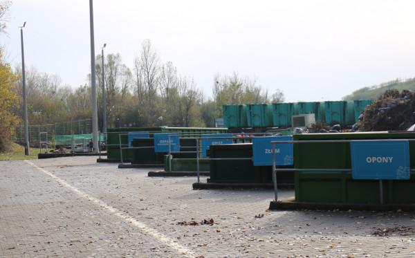 W ZU na Szadółkach wzrosła ilość odpadów, które każdy z nas może znaleźć w swoich garażach czy piwnicach, które być może - mając do dyspozycji więcej czasu - postanowiliśmy w czasie pandemii posprzątać.
