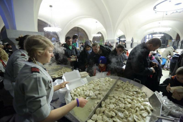 W tym roku niemożliwe jest zorganizowanie wigilii dla potrzebujących, ale organizatorzy rozwiozą im paczki.