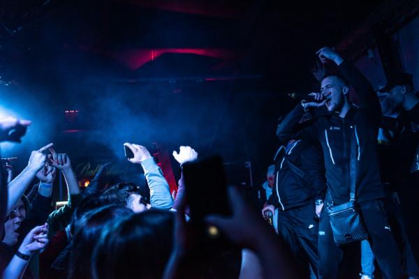 Na zeszłorocznym koncercie rapera Kabe w Sfinksie bawili się zwłaszcza młodzi ludzie.