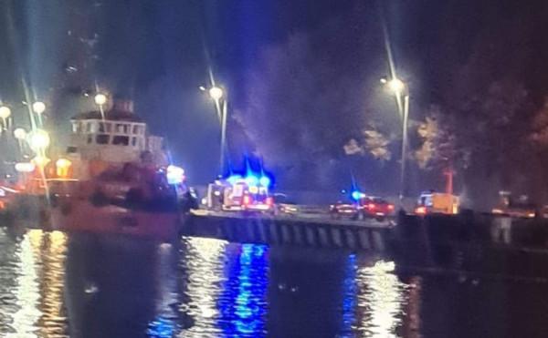 Do zdarzenia doszło około godz. 22. Na miejscu pojawiły się służby ratunkowe, a poszkodowanego wyłowiono z wody.
