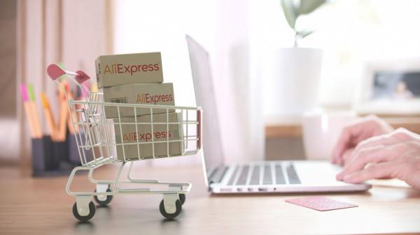 Czekasz na zakupy z Chin? Przygotuj się na dłuższy czas oczekiwania i możliwe dodatkowe opłaty.