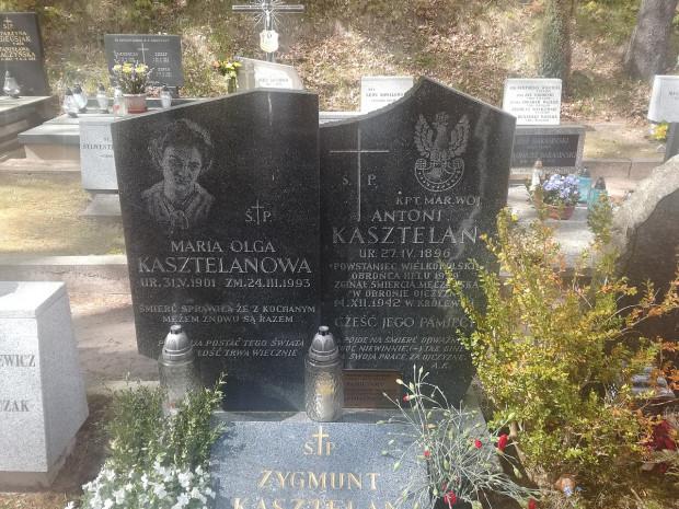 Symboliczny grób kpt. Antoniego Kasztelana na Cmentarzu Witomińskim.