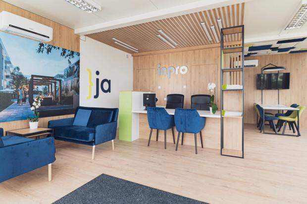 Informacje na temat osiedla oraz wsparcie przy zakupie mieszkania można otrzymać w biurze obsługi klienta.