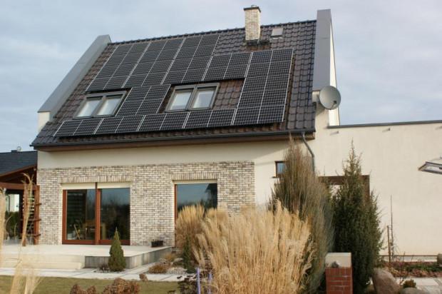 Na odebranie oddanej do sieci nadwyżki energii jest rok. Właściciele instalacji korzystają z tego najczęściej nocami lub zimą.