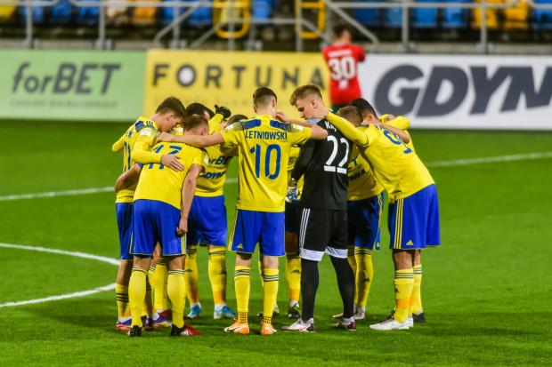 Jeśli Arka Gdynia pokona Widzew Łódź, odniesie trzecie zwycięstwo z rzędu. Takiej serii piłkarze nie mieli od początku sezonu.