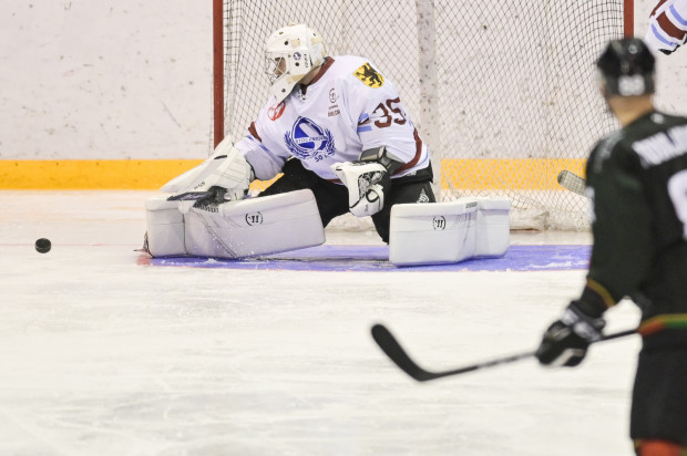 Michał Kieler w Katowicach został pokonany dwukrotnie. Dwie bramki wystarczyły gospodarzom do zwycięstwa. W poniedziałek GKS i Stoczniowiec spotkają się ponownie.