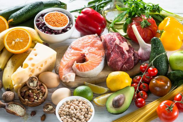 Chcesz poprawić swoją odporność? Zacznij od zbilansowanej diety i aktywności fizycznej.