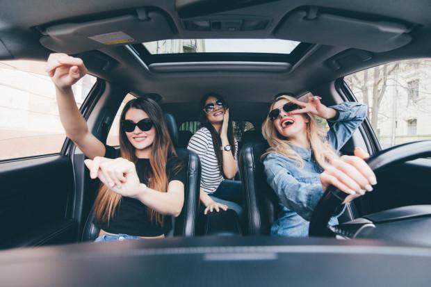 A ty czego słuchasz, jadąc autem?