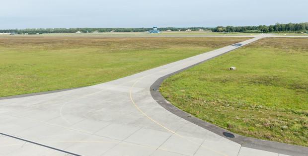 Rozległy obszar pod lotnisko to wymarzony teren dla firmy logistycznej.