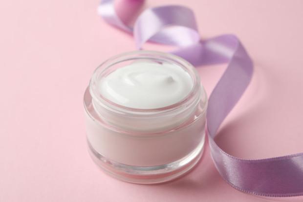 Przy wyborze kosmetyków warto zwrócić uwagę na ich skład.