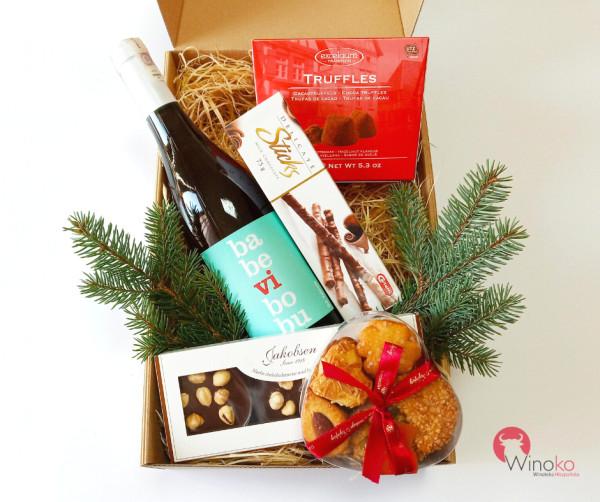 Estetycznie zapakowane i starannie dobrane pod kątem produktów. Na zdjęciu zestawy prezentowe od Winoko.