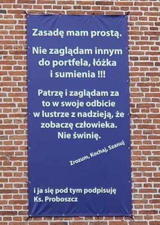 Cytat, który znalazł się na banerze, ks. Rafał Michalak, proboszcz polskokatolickiej parafii pw. Bożego Ciała, znalazł w internecie.