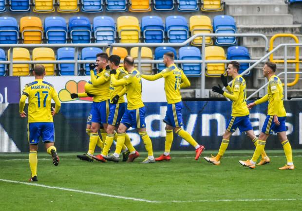 Michał Marcjanik zapewnił zwycięstwo Arce Gdynia w meczu z Koroną Kielce. Dla obrońcy żółto-niebieskich to pierwszy gol w tym sezonie.