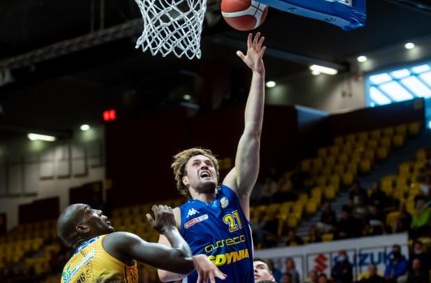 Mikołaj Witliński zakończył czwartkowy mecz z double-double w postaci 18 pkt i 11 zbiórek.