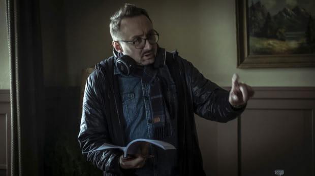 """Reżyserem """"Mistrza"""" jest Maciej Barczewski, z wykształcenia prawnik, wykładowca Uniwersytetu Gdańskiego, absolwent Gdyńskiej Szkoły Filmowej, autor wielokrotnie nagradzanego na całym świecie krótkometrażowego filmu """"My Pretty Pony""""."""