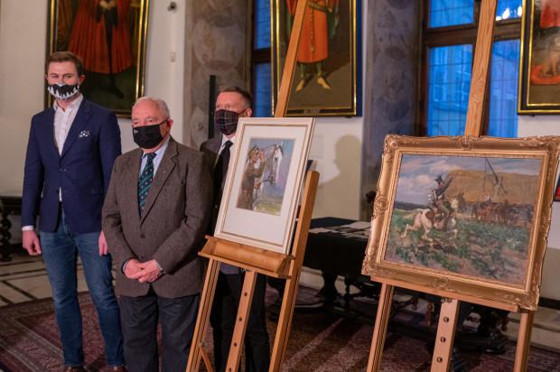 Oficjalne przekazanie obrazów odbyło się w środę w Ratuszu Głównego Miasta.