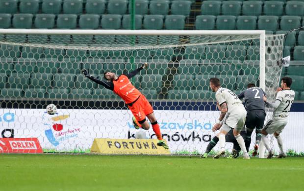 Taktyka Lechii Gdańsk na mecz z Legią w Warszawie posypała się w 61. minucie po straconym golu. Odnosiło się wrażenie, że biało-zieloni mieli pomysł tylko na to, by grać na remis.