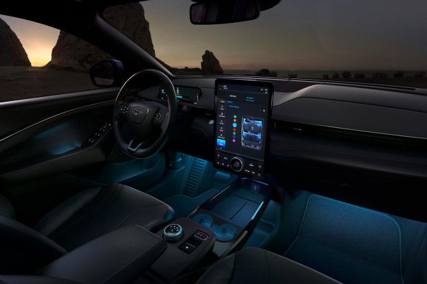 Elektryczny Ford Mustang Mach-E w Trójmieście.