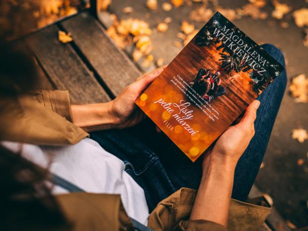 Książki w świątecznym klimacie od trójmiejskich autorów to świetny pomysł na prezent pod choinkę. Na zdjęciu nowa książka Magdaleny Witkiewicz.