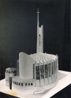 Makieta kościoła Matki Bożej Nieustającej Pomocy i św. Piotra Rybaka w Gdyni, zbudowanego dopiero po rewolcie grudniowej.