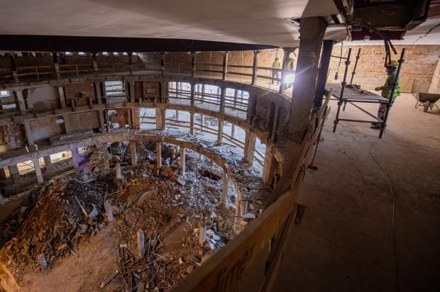 Remont Teatru Wybrzeże - zdjęcie z grudnia 2020.