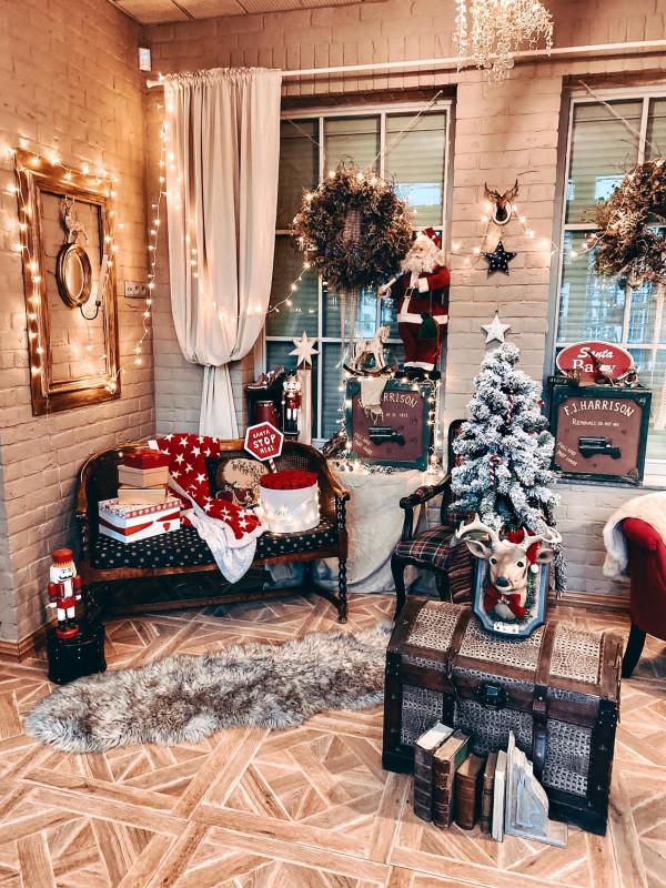 Świąteczny wystrój w sopockiej kawiarni Santa Cafe.
