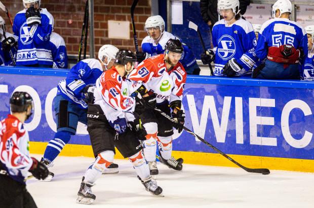 Hokeiści Stoczniowca Gdańsk zakończą tegoroczne występy ligowe piątkowym meczem z Energą Toruń.