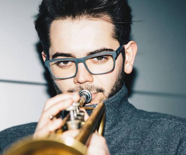 Emil Miszk to trębacz nie tylko utalentowany, ale i wszechstronny - odnosi liczne sukcesy zarówno na scenie jazzowej, jak i klasycznej - jest wirtuozem trąbki historycznej.