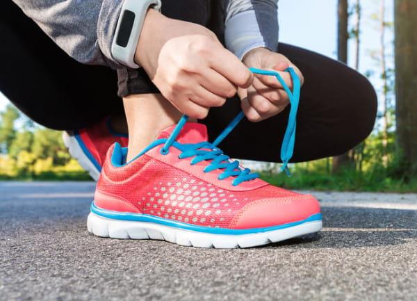 Zachowanie idealnego stanu obuwia sportowego nie wymaga dużego nakładu pracy. Konserwacyjne czynności trzeba wykonywać jednak po każdym treningu.