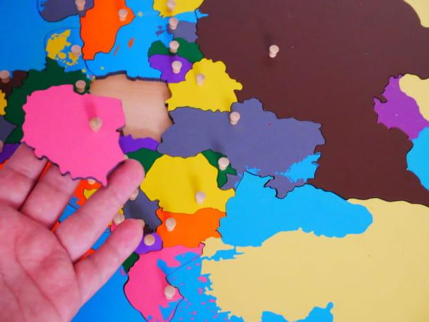 Mapy - pomoce Montessori/ Polskie Centrum Montessori.