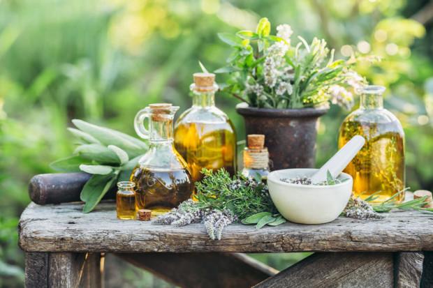 O tym, że zioła mają dobroczynne działanie, wiadomo od dawna. Ważne jednak, by odpowiednio dobrać je do dolegliwości.