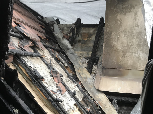 Z mieszkań w kamienicy położonej w centrum Sopotu praktycznie nic nie zostało. Te, których nie zniszczył ogień, zalała woda.