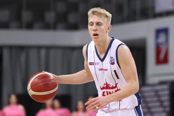 Jakub Kobel rozpoczął ten sezon w Kingu Szczecin, ale dokończy już w barwach Asseco Arki Gdynia.