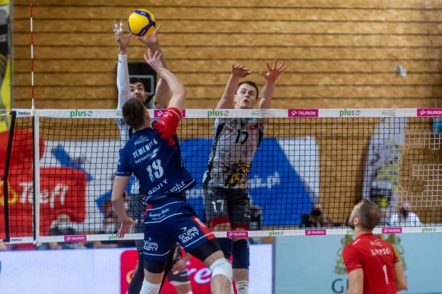 Kamil Semeniuk (nr 13) został uznany za najlepszego siatkarza meczu Grupa Azoty ZAKSA Kędzierzyn-Koźle - Trefl Gdańsk 3:0.