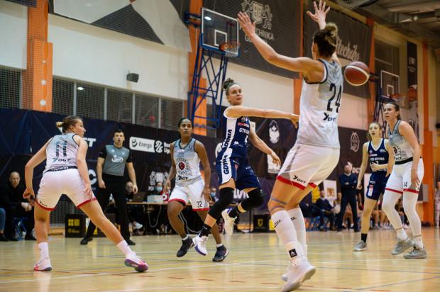 Ostatnie trójmiejskie derby koszykarek rozstrzygnęły się na korzyść DGT AZS Politechniki Gdańskiej, która pokonała u siebie GTK Gdynia 86:67.