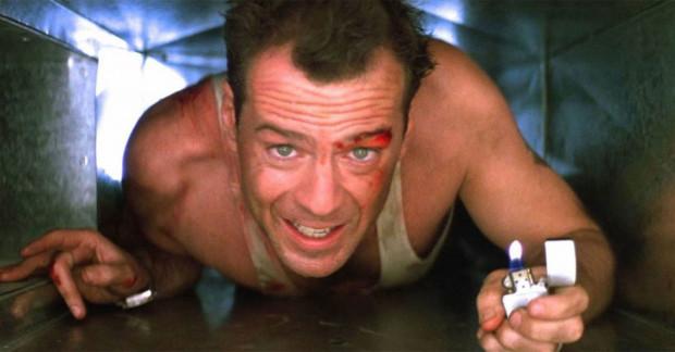 """""""Szklana pułapka"""" z pewnością nie wpisuje się do końca w kanon świątecznych filmów, ale wielu widzów nie wyobraża sobie filmowej Gwiazdki bez towarzystwa Johna McClane'a."""